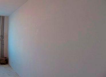 Штукатурка стен в офисе в Москве