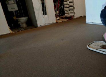 Заливка пола в квартире цена