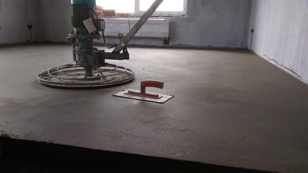 Стяжка пола в квартире Москва